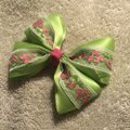 Other Handmade apple green satin bow on aligator clip. Image 1
