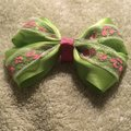 Other Handmade apple green satin bow on aligator clip. Image 3