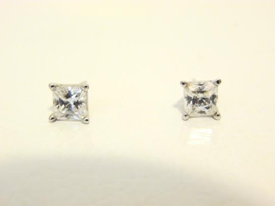 Victoria Wieck Victoria Wieck Absolute Diamond Stud Earrings Image 1