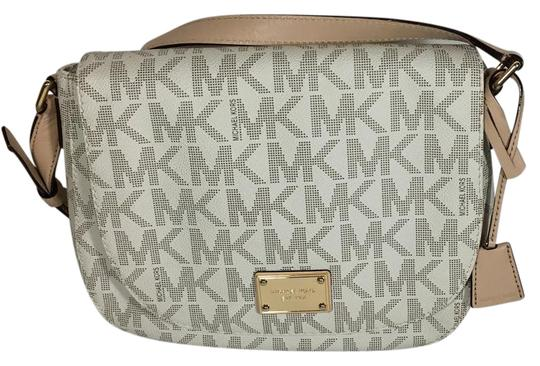 Preload https://img-static.tradesy.com/item/21326164/michael-kors-white-leather-cross-body-bag-0-1-540-540.jpg