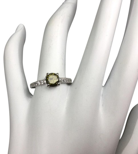 Preload https://img-static.tradesy.com/item/21326451/new-elegant-natural-peridot-sterling-silver-ring-0-1-540-540.jpg