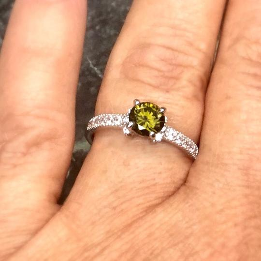 Other New. Elegant Natural Peridot Sterling silver ring