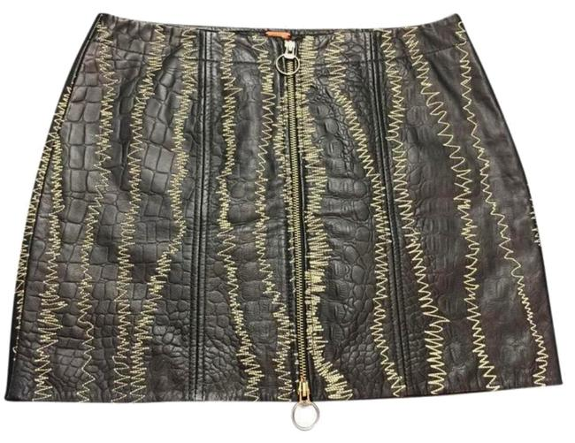 Free People Exposted Front Zip Zigzag Stitching Pebbled Leather Lined Leather Hidden Side Zip Mini Skirt Black