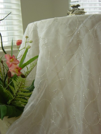 White With Beads Tablecloth Image 1