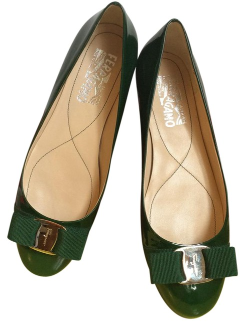 Item - Green Varina Bow Toe Ballerina Patent Leather Flats Size US 7 Wide (C, D)