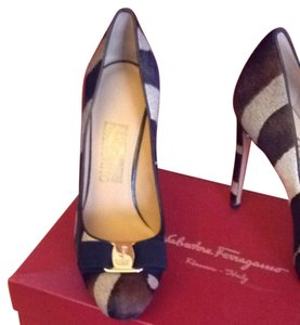 Salvatore Ferragamo Black Brown Tan Pumps