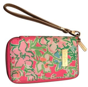 Lilly Pulitzer Wristlet in Pink Floral