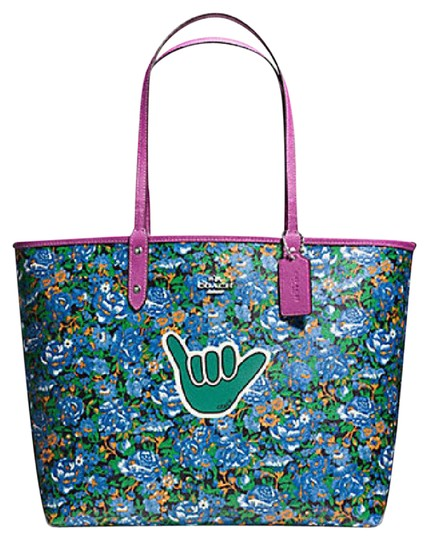 Preload https://img-static.tradesy.com/item/21327491/coach-city-reversible-in-rose-meadow-print-57669-57667-multicolor-canvas-tote-0-1-540-540.jpg