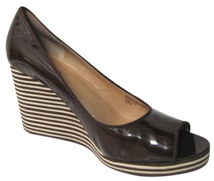 Michael Kors Patent Leather Heels Striped Size 9 M B Peep Toe Open Sandals brown Wedges