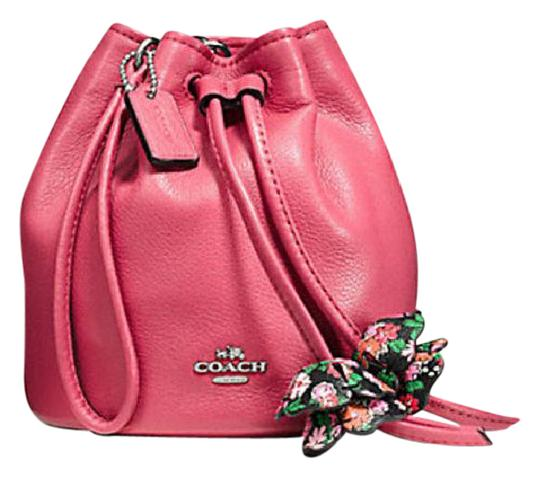 Preload https://img-static.tradesy.com/item/21327524/coach-petal-wristlet-in-pebble-57600-56581-floral-print-multicolor-leather-cross-body-bag-0-1-540-540.jpg