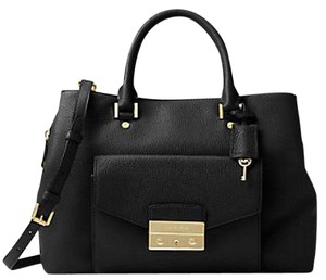 Michael Kors Next Day Shipping Haley Satchel in Black gold