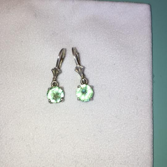 Other sterling silver and green amethyst dangle earring