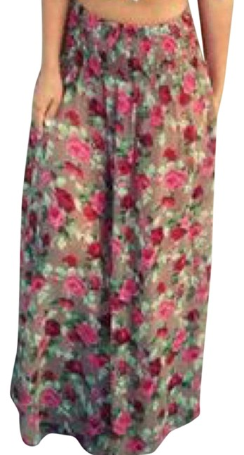 Preload https://img-static.tradesy.com/item/21328938/floral-cover-up-maxi-skirt-size-4-s-27-0-1-650-650.jpg