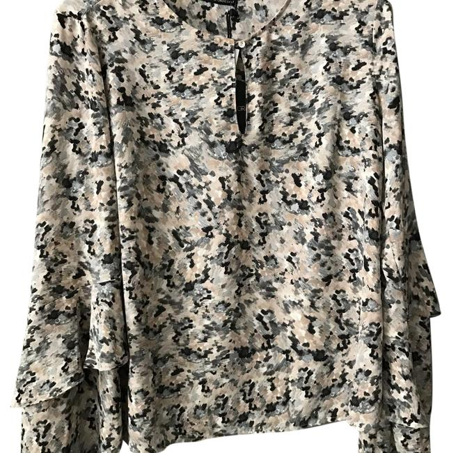 Preload https://img-static.tradesy.com/item/21330254/harlowe-and-graham-gray-bell-sleeve-floral-blouse-size-4-s-0-2-650-650.jpg