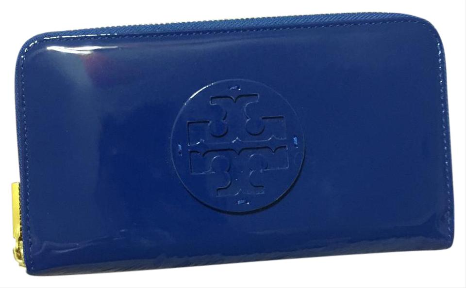 fdfec0e73 Tory Burch Blue Stacked Logo Zip Continental Patent Leather Jelly Ocean  Wallet