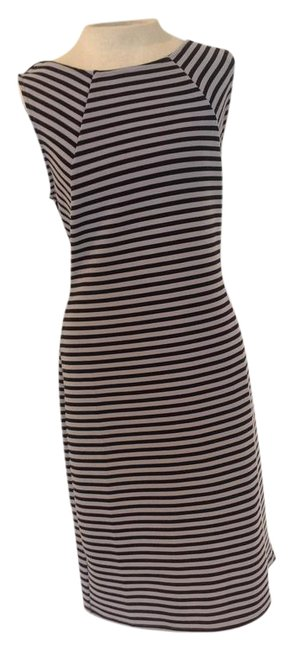 Preload https://img-static.tradesy.com/item/21330385/ann-taylor-loft-black-and-grey-and-mid-length-cocktail-dress-size-8-m-0-1-650-650.jpg