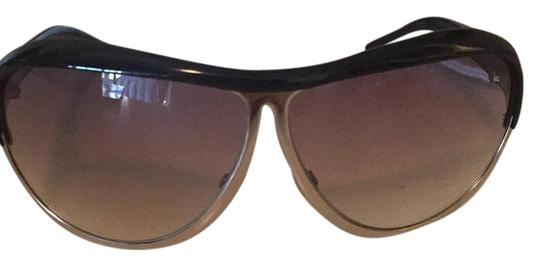 Preload https://img-static.tradesy.com/item/21330805/dolce-and-gabbana-retro-aviator-sunglasses-0-2-540-540.jpg