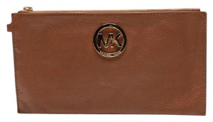 Michael Kors Evening Clutch Leather Pebbled Wristlet in acorn / brown
