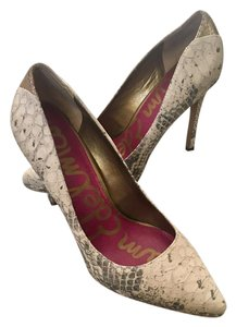 Sam Edelman Pointed Toe Work Parties tan, cream, gold, gray Pumps