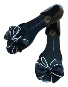 Chinese Laundry Peeptoe Bow Black Sandals