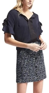 Banana Republic Grosgrain Trim Grommet Detailing Modern Banana Vented Hem Top navy & black