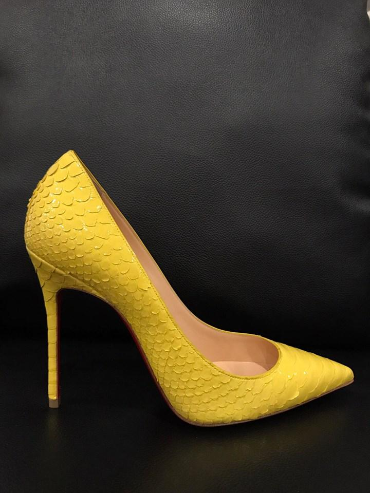d5a171211e86 Christian Louboutin Python Snakeskin Stiletto Decollete Classic yellow Pumps  Image 11. 123456789101112