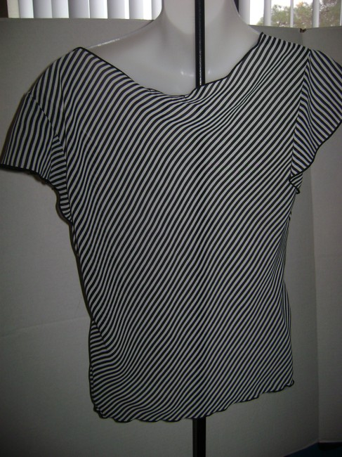 Daisy Fuentes Pull Over Club Wear Causal Wear Office Appropriate Top Black and White stripes Image 1