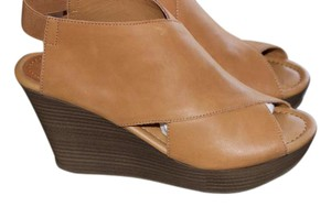 Kenneth Cole Reaction Leather Opentoe Cognac Wedges