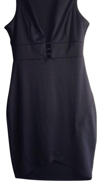 Preload https://img-static.tradesy.com/item/21337940/black-mini-night-out-dress-size-12-l-0-1-650-650.jpg