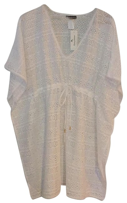 Preload https://img-static.tradesy.com/item/21338425/tommy-bahama-white-new-with-tags-crochet-tunic-cover-upsarong-size-6-s-0-5-650-650.jpg