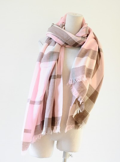 Burberry London 100% cashmere Giant Check pink scarf