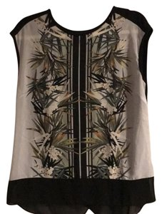 Oasis Top Black and print on front