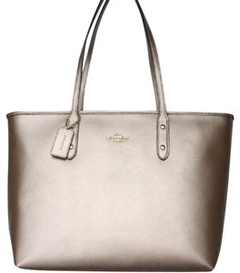 Coach Nwt New With Tags Metallic Tote in Platinum