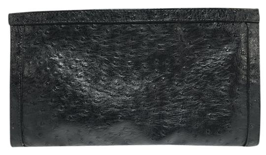 Preload https://img-static.tradesy.com/item/21338890/bueno-collection-faux-ostrich-black-leather-clutch-0-1-540-540.jpg