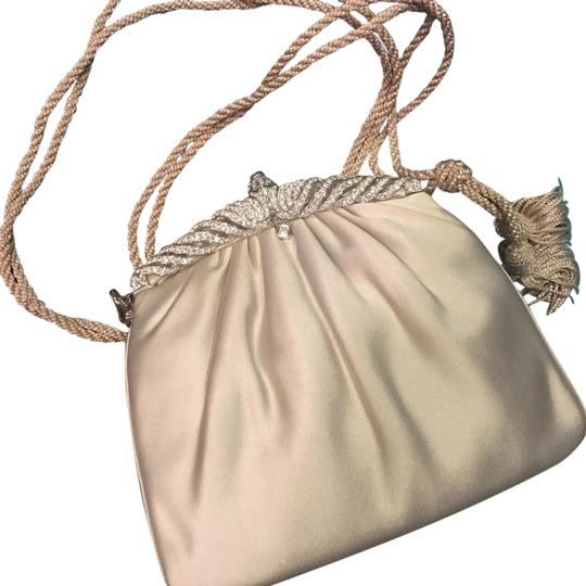 Preload https://img-static.tradesy.com/item/21339560/judith-leiber-evening-and-accessories-baguette-0-3-540-540.jpg