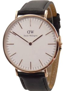 Daniel Wellington Daniel Wellington Men Black Leather Watch DW0107