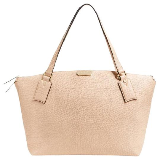 Preload https://img-static.tradesy.com/item/21339861/burberry-medium-welburn-pale-apricot-leather-tote-0-0-540-540.jpg