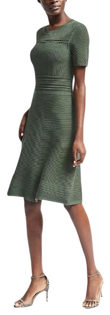Item - Green L Fit-and-flare Sweater Mid-length Work/Office Dress Size 14 (L)