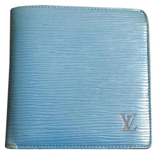 Preload https://img-static.tradesy.com/item/21340143/louis-vuitton-blue-marco-wallet-0-2-540-540.jpg