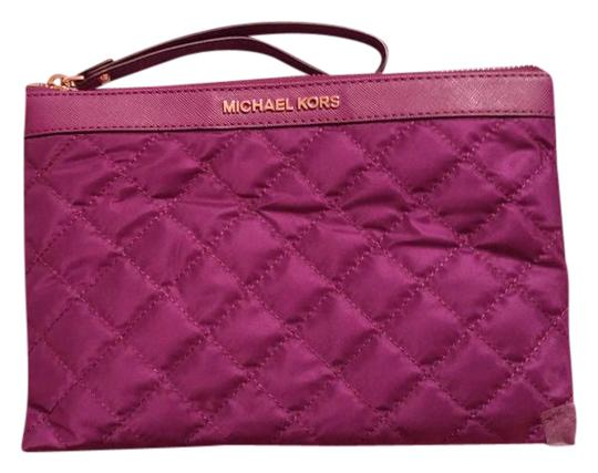 Preload https://img-static.tradesy.com/item/21340673/michael-kors-xl-violet-quilted-fabric-clutch-0-1-540-540.jpg