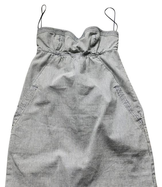 Preload https://img-static.tradesy.com/item/21341119/american-eagle-outfitters-strapless-short-casual-dress-size-6-s-0-1-650-650.jpg