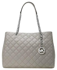 Michael Kors Next Day Shipping Tote in Pearl gray