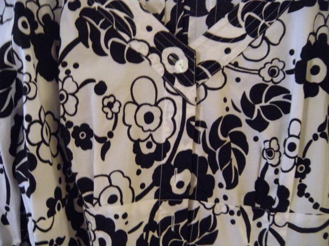Eye Brand Button Floral Top Black and White