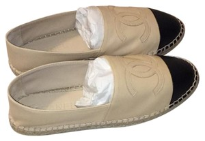 Chanel Espadrilles Beige with black cap toe Flats