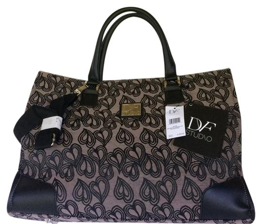 Preload https://img-static.tradesy.com/item/21341841/diane-von-furstenberg-hearts-jacquard-large-black-man-made-tote-0-1-540-540.jpg