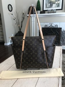 Louis Vuitton Totally Handbags Wallets Tote in (Monogram)