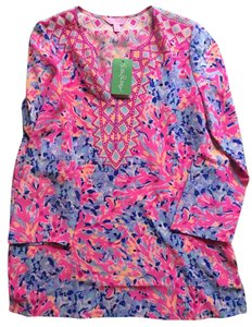 Lilly Pulitzer Top Coco coral crab dinner