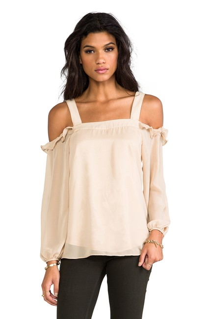 Vava by Joy Han Open Shoulder Cold Shoulder Beige Top taupe/nude Image 3