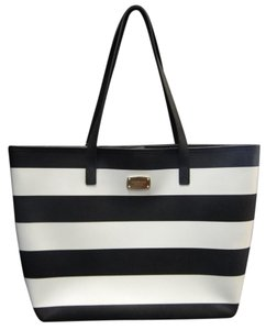 Michael Kors Large Travel Luggage Striped New Tote in Black White