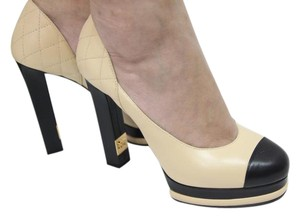 Chanel Classic Heels Hight Heel Fashion Classic Luxury beige and black Pumps